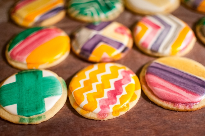 Lemon Sugar Cookies with Royal Icing and Luster Paint from @kristelpoole (http://www.stirringthingsupblog.com)