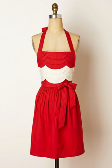Scarlet Fondant Apron - Holiday Gift Guide from @kristelpoole (http://stirringthingsupblog.com)